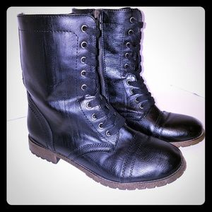 Boots Black Combat Boot Side Zip Front Lace